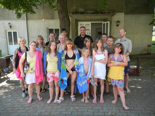 Gruppenfoto im Tauchzentrum Ammelshain - Leipziger Kinderstiftung