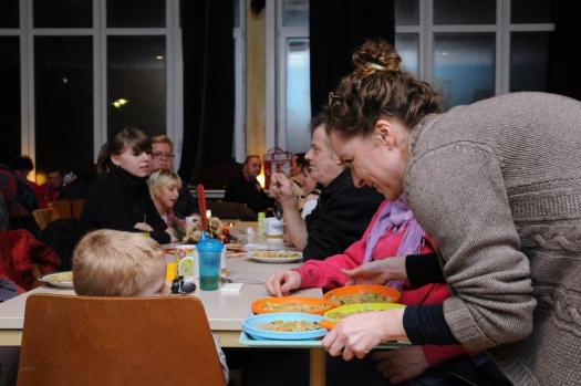 Essen im Restaurant des Herzens - Leipziger Kinderstiftung