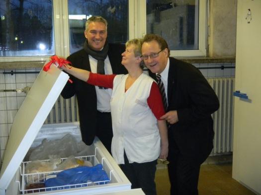 Kühltruhenübergabe - Leipziger Kinderstiftung