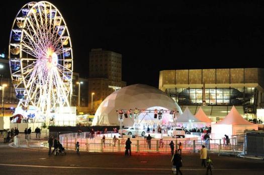 Audi White Lounge am Weihnachtsmarkt auf dem Augustusplatz - Leipziger Kinderstiftung
