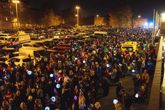 Großer Glühwürmchenumzug - Leipziger Kinderstiftung