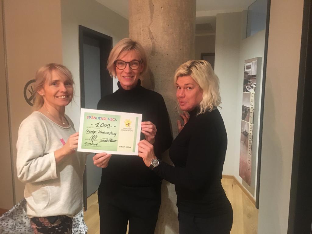 Physiotherapie Morgenstern und Stöckigt - Spendenscheckübergabe an Leipziger Kinderstiftung